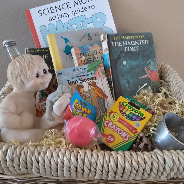 Gift baskets for auction at the 2018 las vegas writers conference negle Images